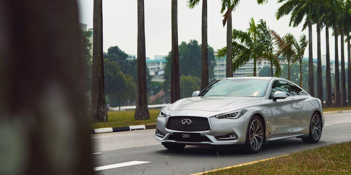2020-infiniti-q60-coupe-active-lane-control-compare.jpg.ximg.l_12_m.smart